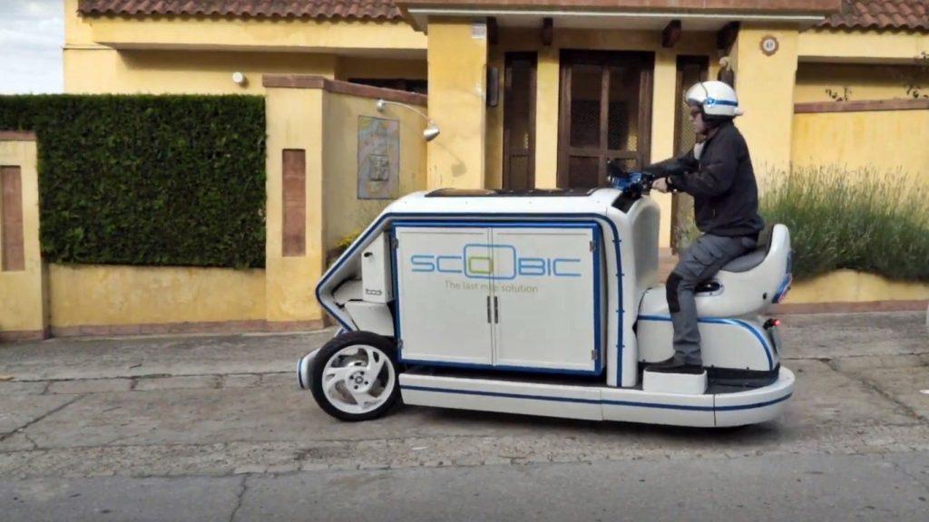 LA SCOOBIC : MOTO ELÉCTRICA DE REPARTO QUE ABSORBE POLUCIÓN DEL AIRE